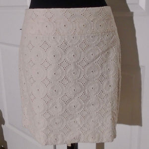 ANN TAYLOR LOFT Cotton Eyelet Short Skirt 8 Cream